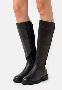 H.I.S - Vysoká obuv - black - 0