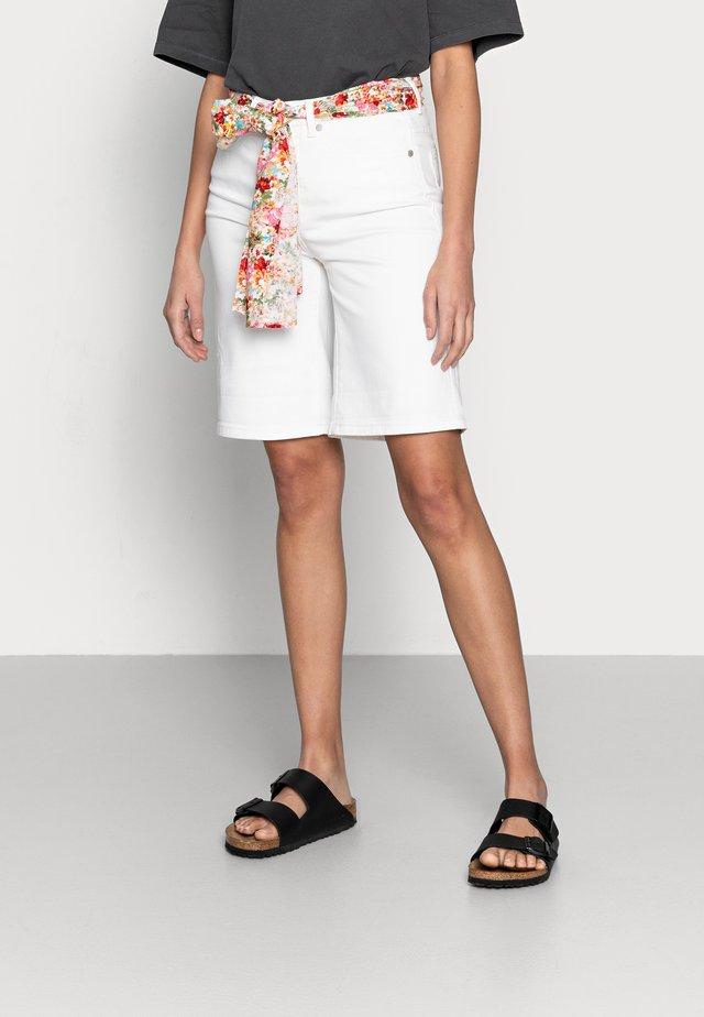 BERMUDA - Shorts di jeans - off white