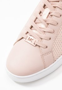 MICHAEL Michael Kors - IRVING LACE UP - Baskets basses - soft pink - 5