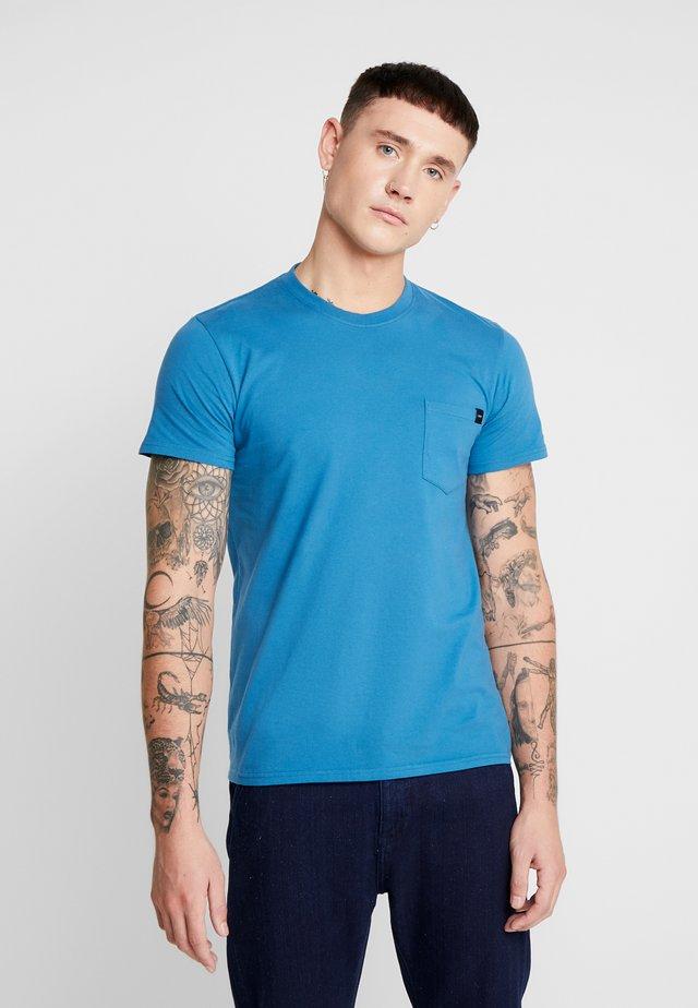 POCKET - T-shirts basic - blue sapphire