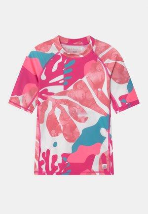 SWIM JOONIA AQUATIC - Rash vest - fuchsia pink