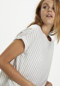 Saint Tropez - Print T-shirt - dapple gray - 3