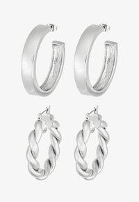 Pieces - PCOLKA HOOP EARRINGS 2 PACK - Øredobber - silver-coloured - 3