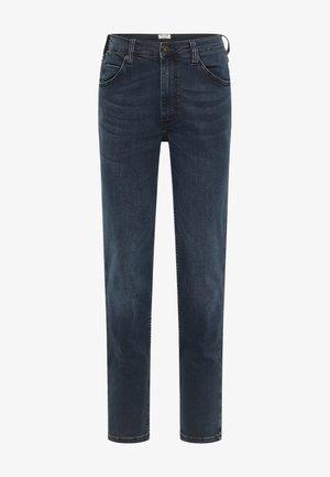 HOSE TRAMPER TAPERED - Straight leg jeans - blau