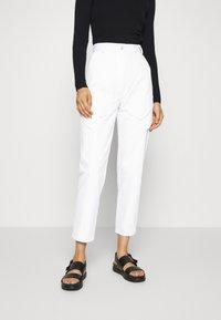 Bec & Bridge - SABINE PANT - Jeansy Slim Fit - ivory - 0