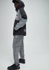 PULL&BEAR - Light jacket - dark grey - 3