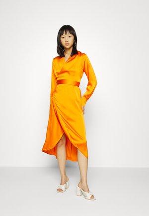 WRAP DRESS - Maxi dress - orange