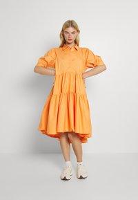 Missguided - OVERSIZED SHIRT MIDI DRESS - Maxi dress - orange - 0