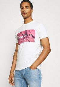Pepe Jeans - RAURY - Print T-shirt - dark chicle - 3