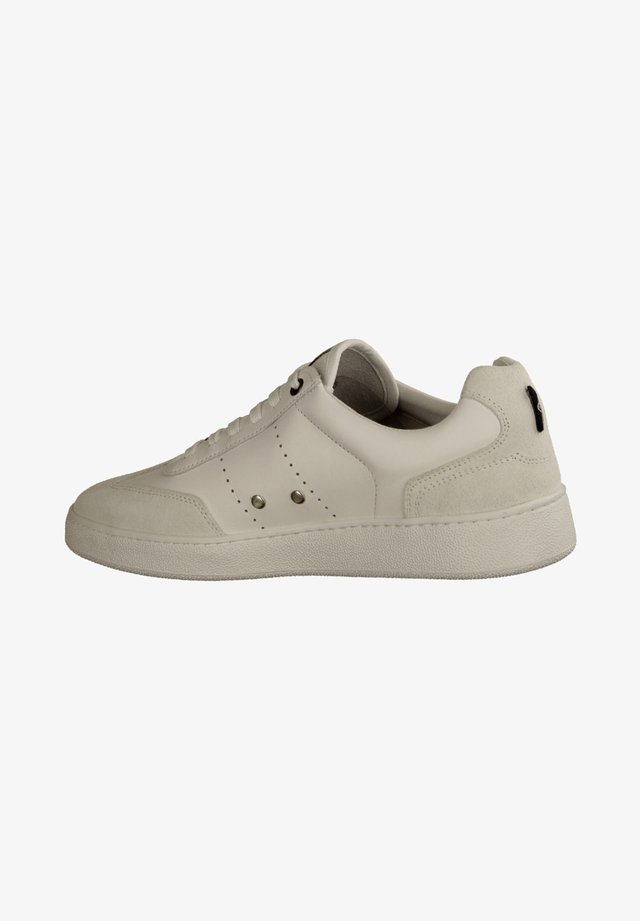 Trainers - white