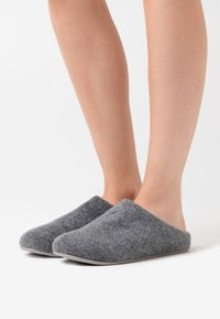 FitFlop - CHRISSIE  - Slippers - steel grey - 0