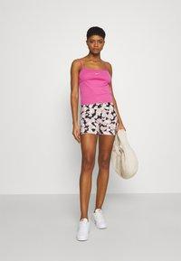Nike Sportswear - TANK CAMI - Linne - active fuchsia/white - 1