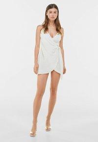 Bershka - Denní šaty - white - 1