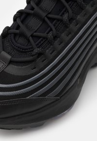 Nike Sportswear - AIR MAX ZM950 UNISEX - Baskets basses - white/platinum - 5