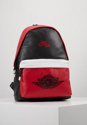 AJ PACK - Batoh - black/gym red