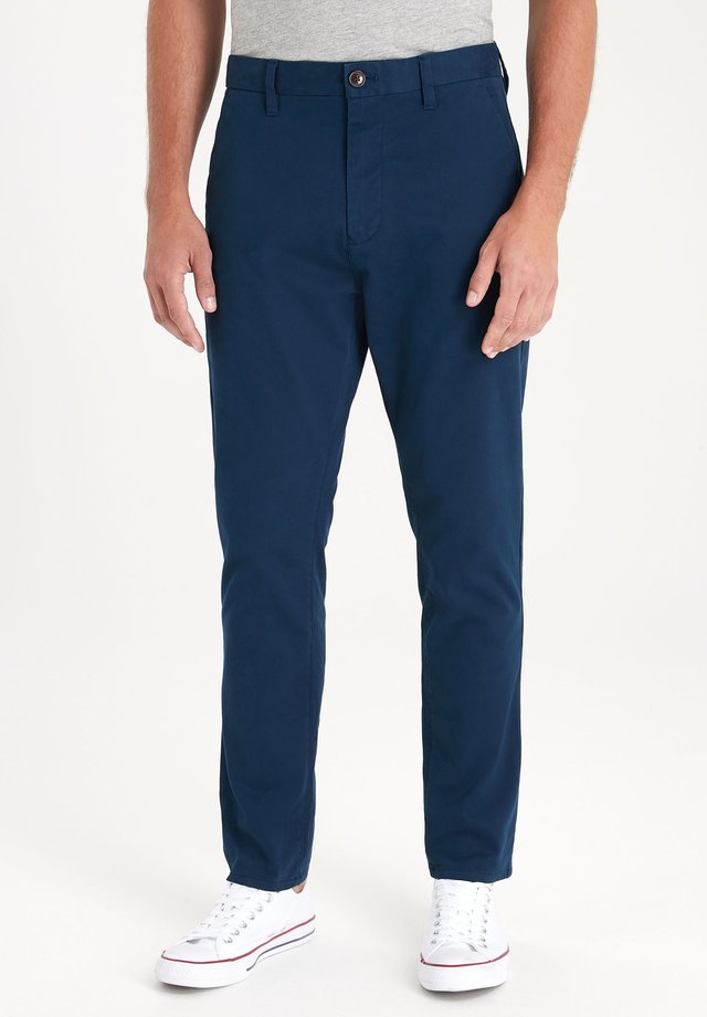 DARK BLUE TAPERED SLIM FIT STRETCH CHINOS - Chino kalhoty - blue