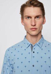 BOSS - MAGNETON - Shirt - open blue - 3