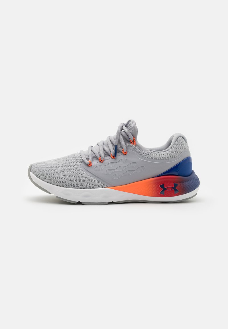 Under Armour - CHARGED VANTAGE  - Neutral running shoes - mod gray