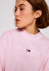 Tommy Jeans - PASTEL CREW - Mikina - romantic pink - 5