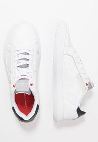 Tommy Hilfiger - ESSENTIAL CUPSOLE - Sneakersy niskie - white - 1
