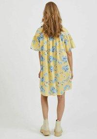 Vila - OVERSIZE - Skjortklänning - pineapple slice - 2