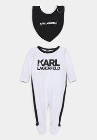 KARL LAGERFELD KIDS - BIB BABY UNISEX - Grenouillère - white/black - 0
