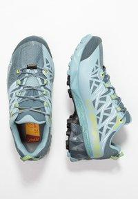 La Sportiva - AKYRA WOMAN GTX - Trail running shoes - slate/sulphur - 1