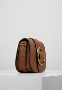 Polo Ralph Lauren - BELT SADDLE - Borsa a tracolla - cognac - 3