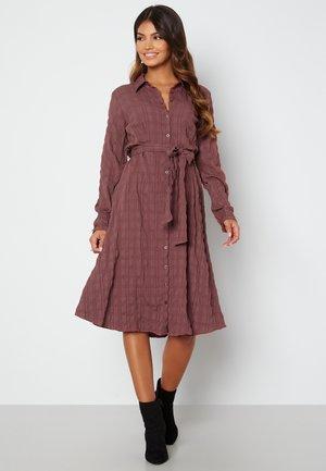 SANNA  - Shirt dress - salmon