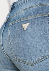 Guess - SEXY BOOT - Flared Jeans - blue denim - 3