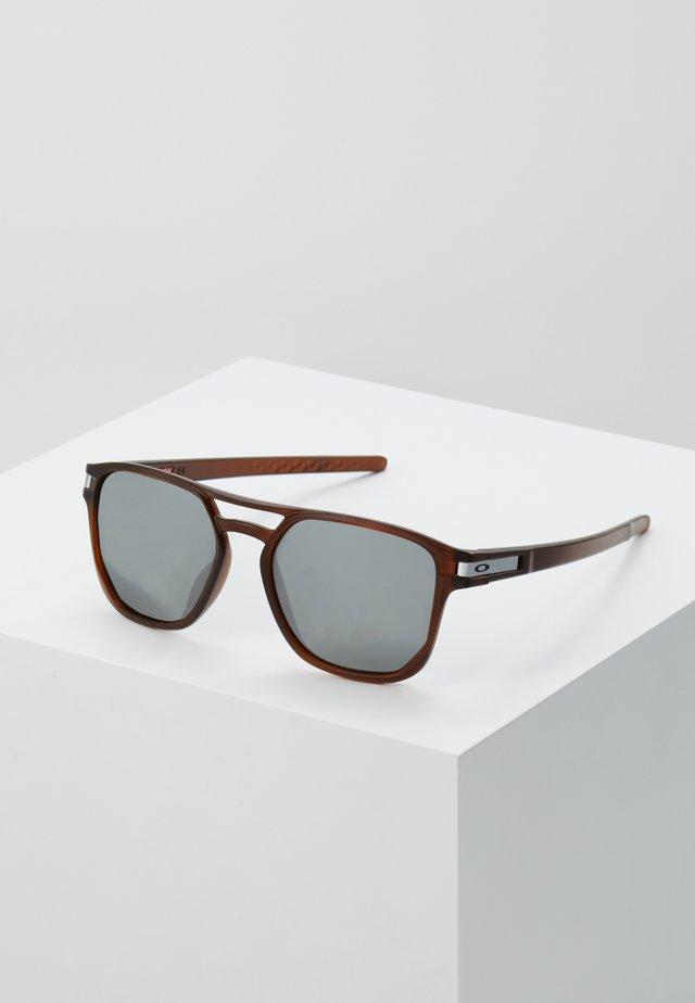 LATCH BETA - Sunglasses - dark red