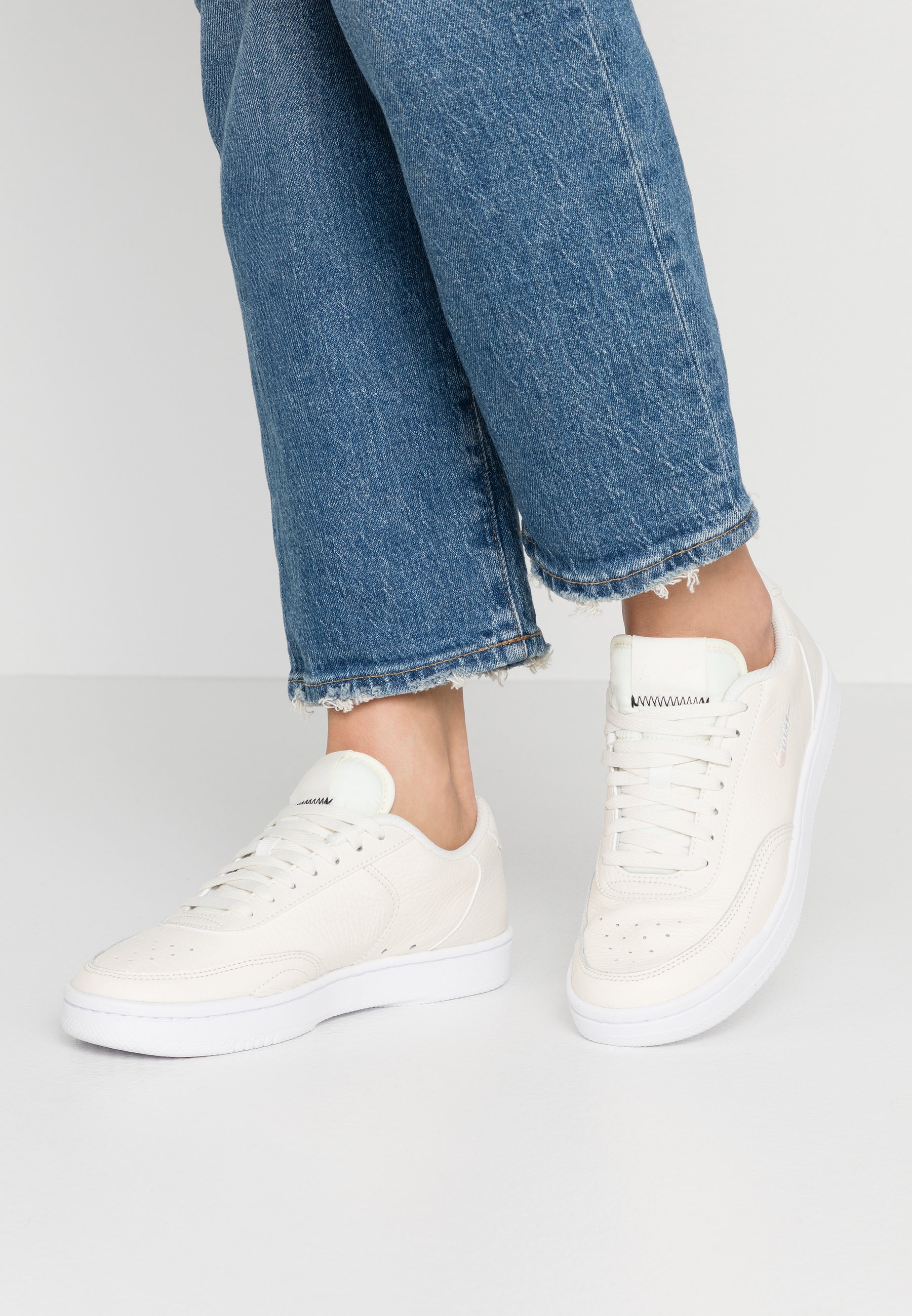 Es decir suéter Oficiales  Nike Sportswear COURT VINTAGE PRM - Trainers - pale ivory/washed  coral/aura/off-white - Zalando.ie
