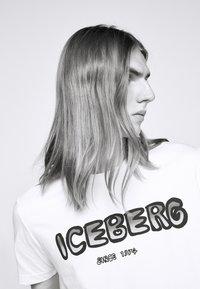 Iceberg - Triko spotiskem - bianco ottico - 3
