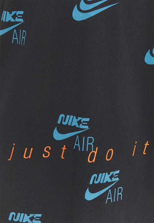 Nike Sportswear TEE MULTIBRAND - T-shirt z nadrukiem - black/czarny Odzież Męska EPWW