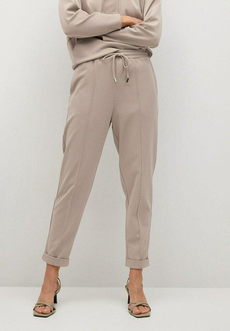 Mango - FLORIDA - Teplákové kalhoty - gris claro/pastel