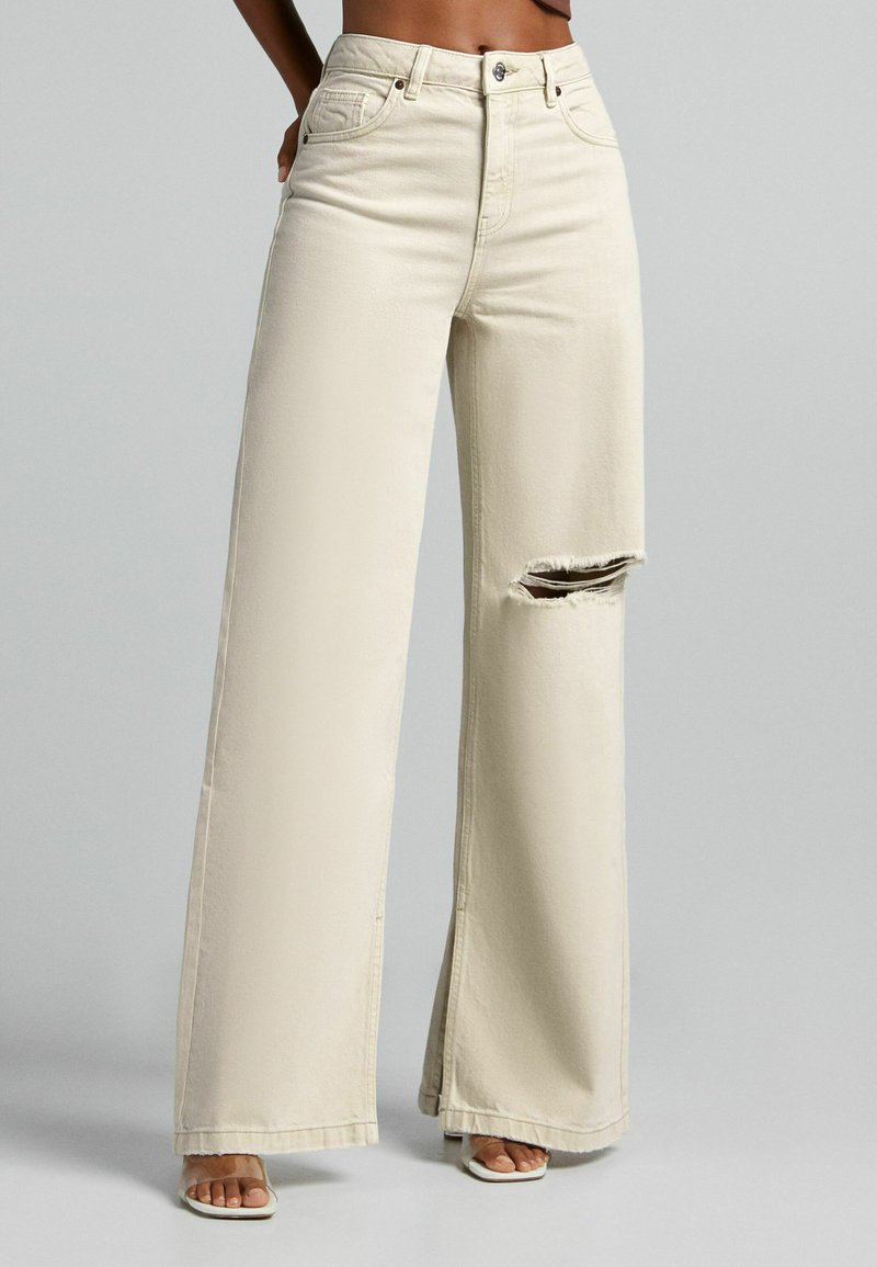 Bershka - Jeans a zampa - sand