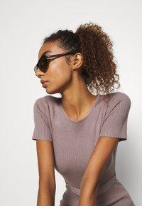 Missguided - SELF BELT MIDAXI DRESS - Jumper dress - brown - 4