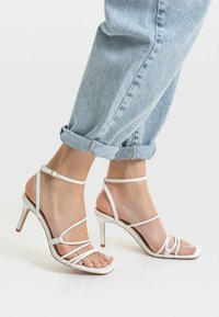 Stradivarius - Chaussures de mariée - white - 0