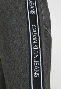 Calvin Klein Jeans - DAD - Relaxed fit jeans - grey - 5