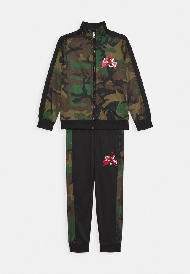 JUMPMAN CLASSICS III SUIT SET - Träningsset - multi-coloured/mottled olive