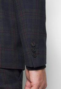 Ben Sherman Tailoring - OVERCHECK SUIT SLIM FIT - Oblek - navy - 9