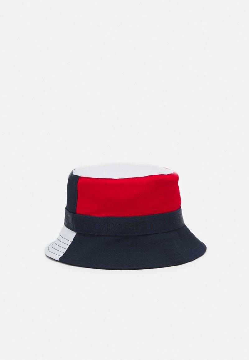 Tommy Hilfiger - BOYS YOUTH BUCKET HAT - Hat - blue