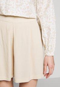 Bruuns Bazaar - LILLI DAPHNE - Shorts - sand - 5