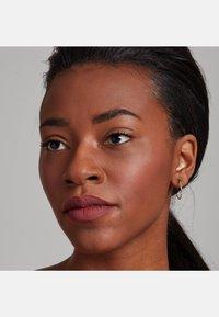 Nyx Professional Makeup - SOFT MATTE LIP CREAM - Rouge à lèvres liquide - 25 budapest - 2