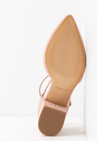 ALDO Wide Fit - BROOKSHEAR WIDE FIT - Decolleté - light pink - 6