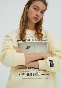 PULL&BEAR - Sweatshirt - yellow - 3