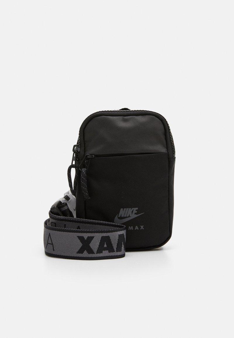 Nike Sportswear - NIKE AIR ESSENTIALS UNISEX - Sportovní taška - black