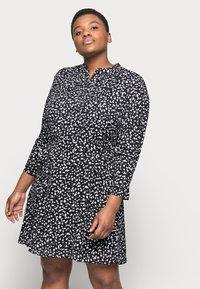 Selected Femme Curve - SLFVIA SHORT DRESS - Denní šaty - black - 3