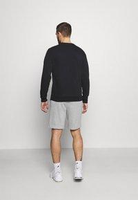 Champion - BERMUDA - Pantaloncini sportivi - light grey - 2