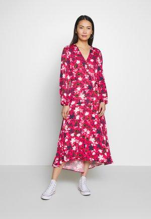 DRESS WRAP STYLE BELTED WAIST LONG SLEEVE - Vestido informal - multi/ bright berry